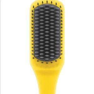 DRYBAR Brush Crush Heated Straightening Brush